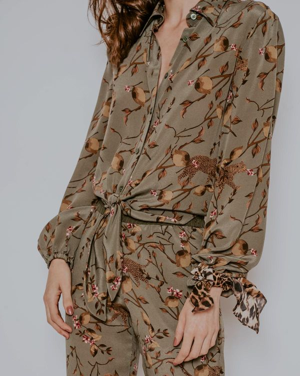 Camisa-Joana-seda-fauna