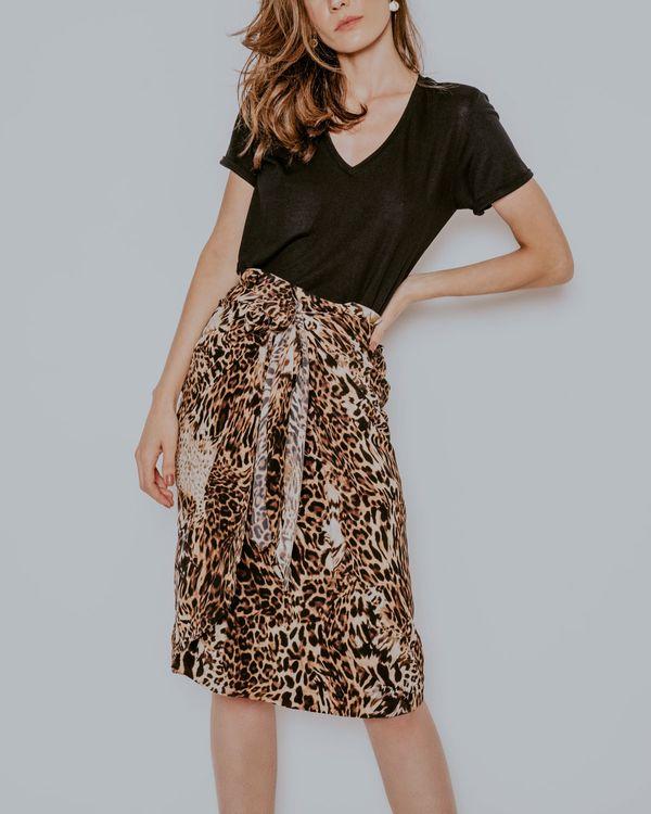 camiseta-Ludmila-malha-preta