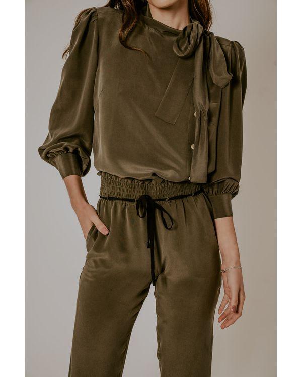 Camisa-Rayana-seda-verde-laco-botoes-lateral